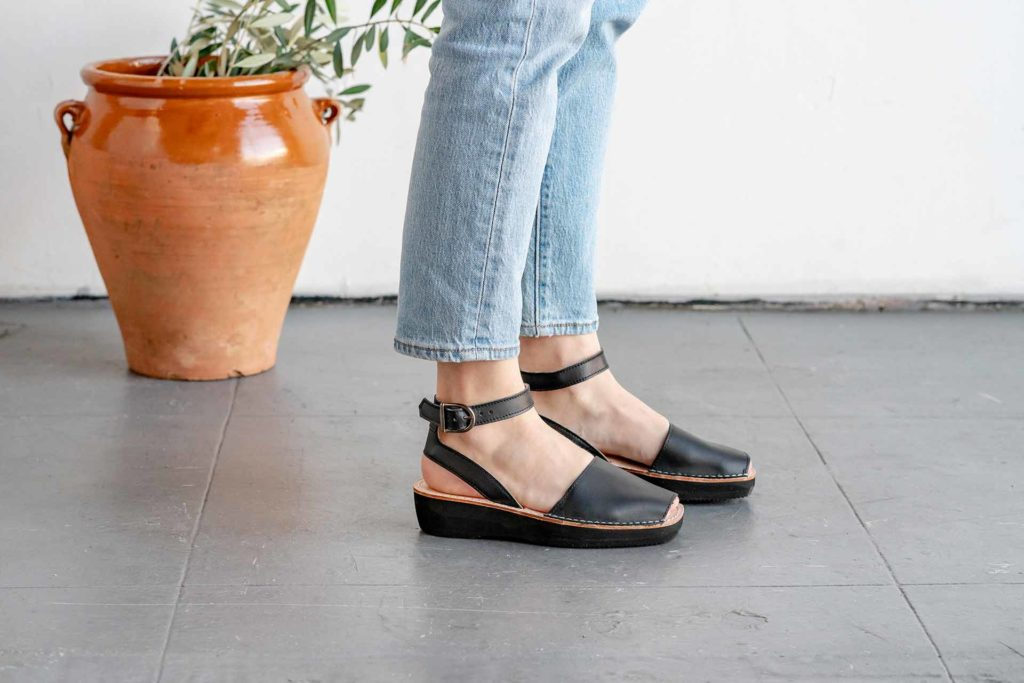 Mediterranean Pons Shoes in Black