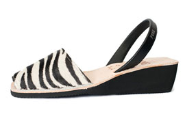 Wedge Animal Prints Zebra