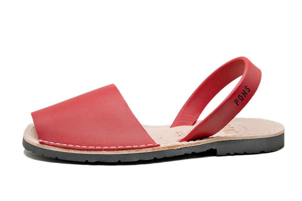Classic Style Women Red Avarca
