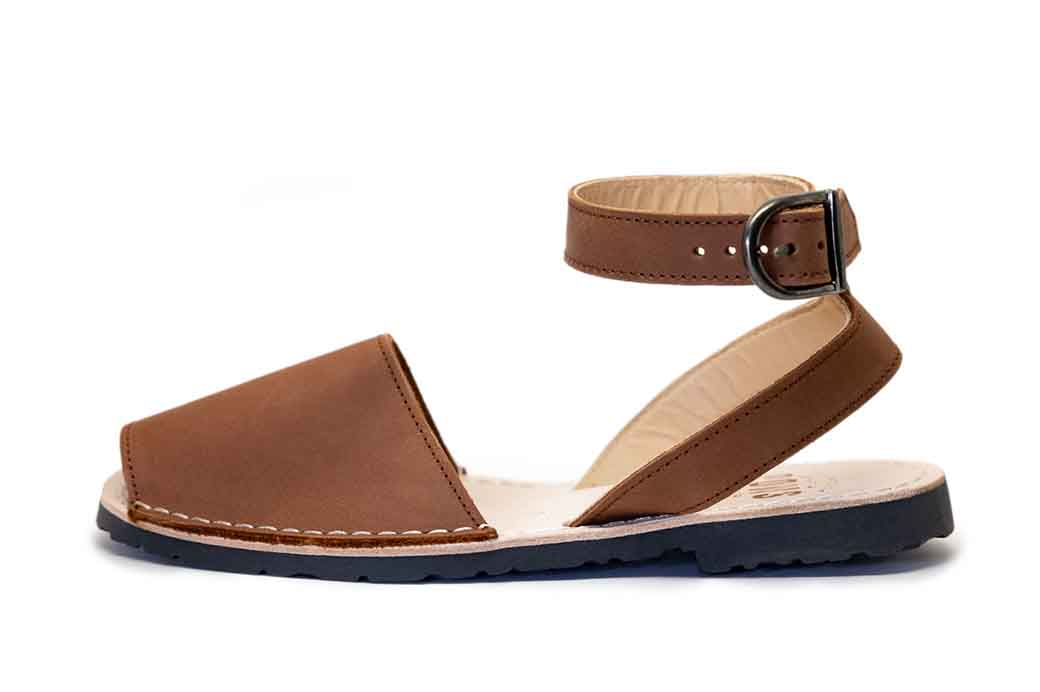 Classic Style Strap Brown Avarca