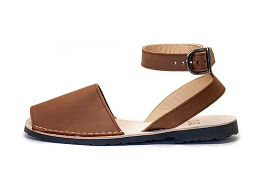 Classic Style Strap Brown