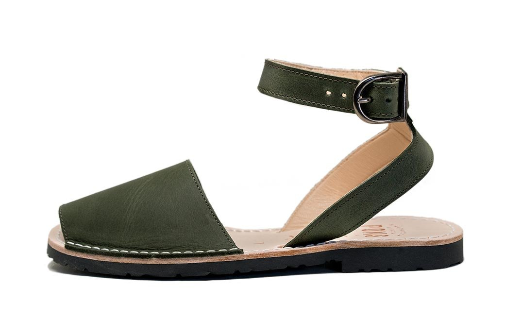 Classic Style Strap Forest Green Avarcas