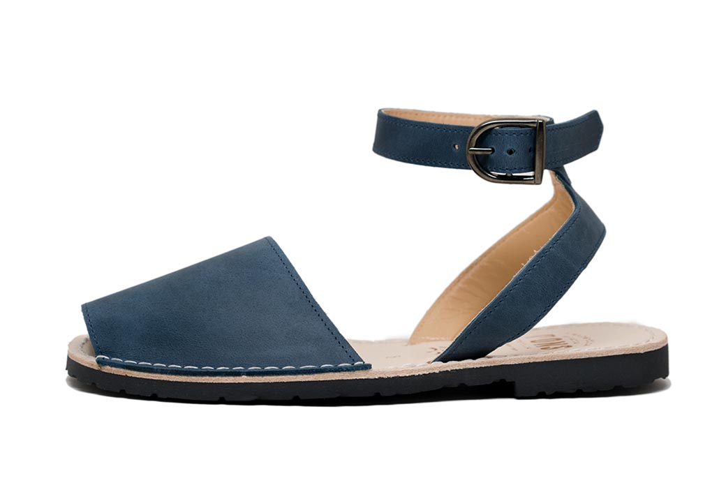 Classic Style Strap French Blue Avarcas